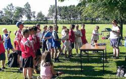 Siegerehrung der D-Jugend durch Heike H�lshorst, Staffelleiterin Jugend